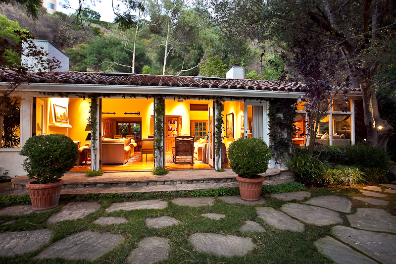 Los angeles real estate property of the week 1778 old for Old style home builders