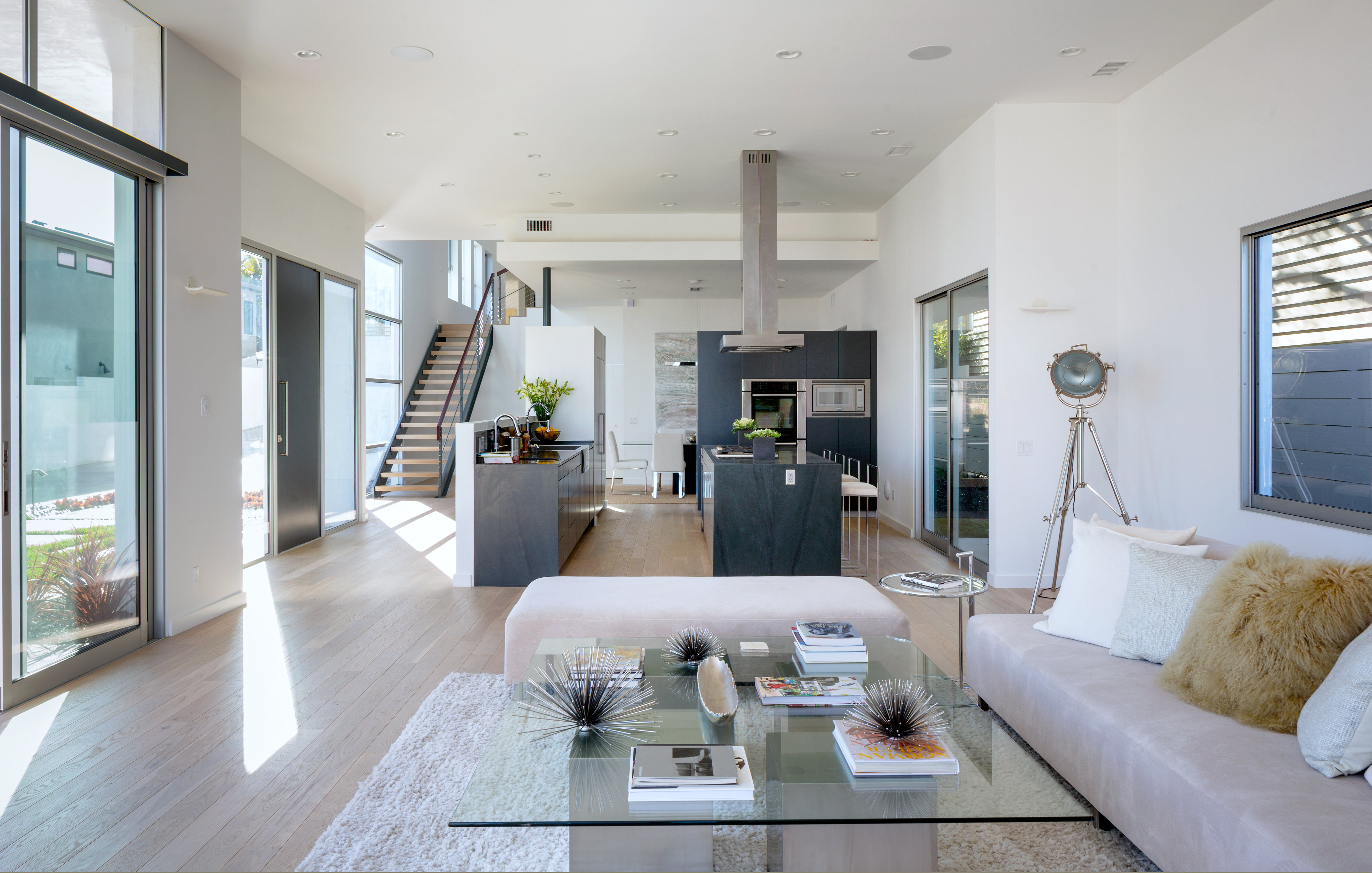 Los angeles real estate property highlight 3550 mountain for Modern house technology