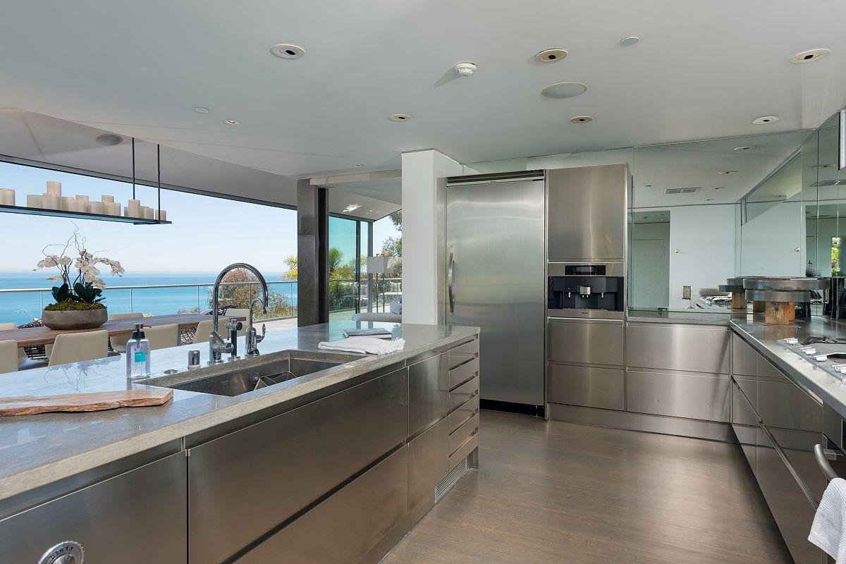 Los Angeles Real Estate Spotlight: 10 Gorgeous Gourmet Kitchens