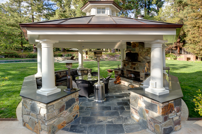 Areas A Fireplace BBQ And Is An Ideal Space For Al Fresco Dining